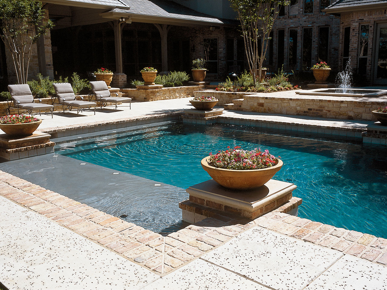 Custom swimming pools for Custom indoor pools